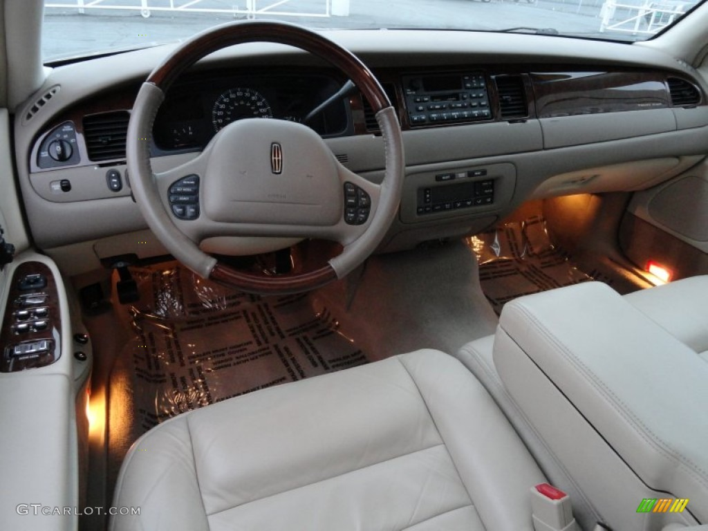 2002 lincoln town car signature interior photo 59582133. Black Bedroom Furniture Sets. Home Design Ideas