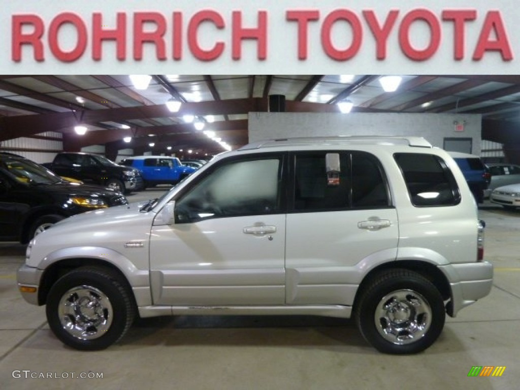 2005 Grand Vitara LX 4WD - White Pearl / Gray photo #1