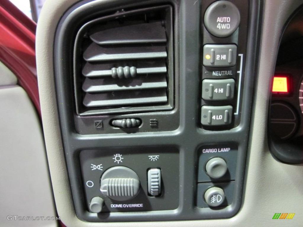 2000 Chevrolet Silverado 1500 LS Extended Cab 4x4 Controls Photo #59622627
