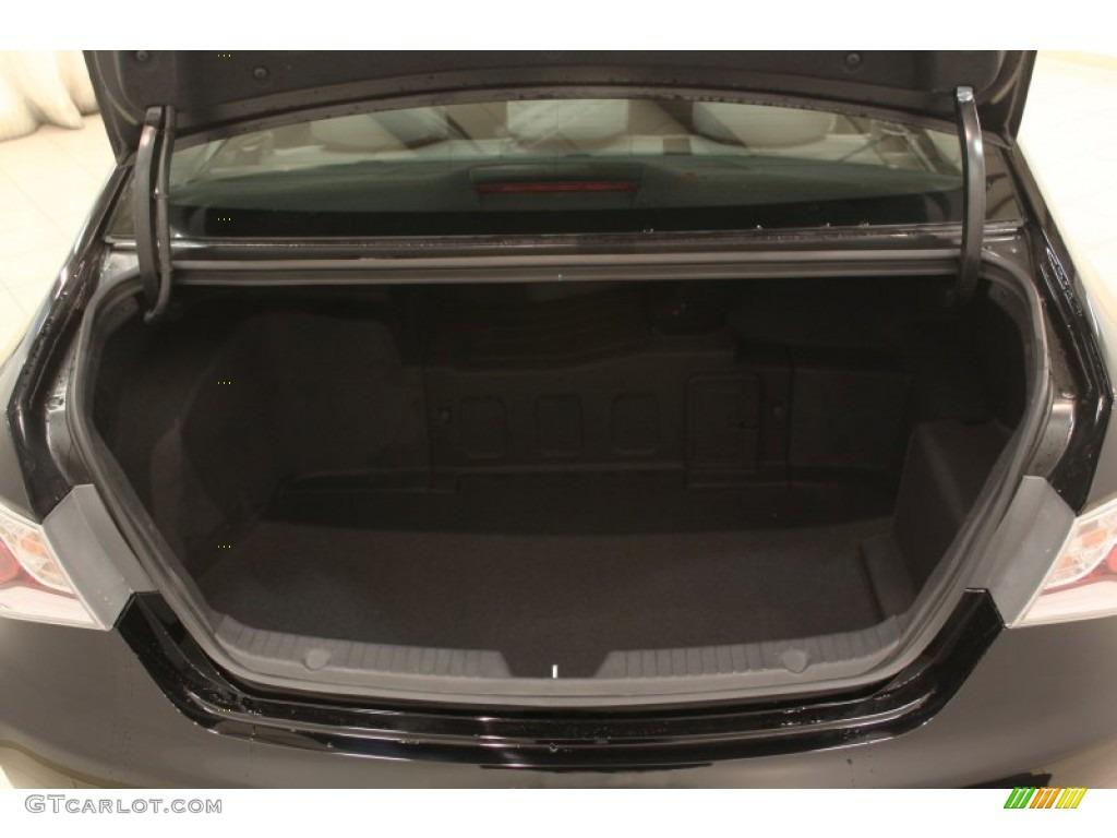2011 Hyundai Sonata Hybrid Trunk Photos