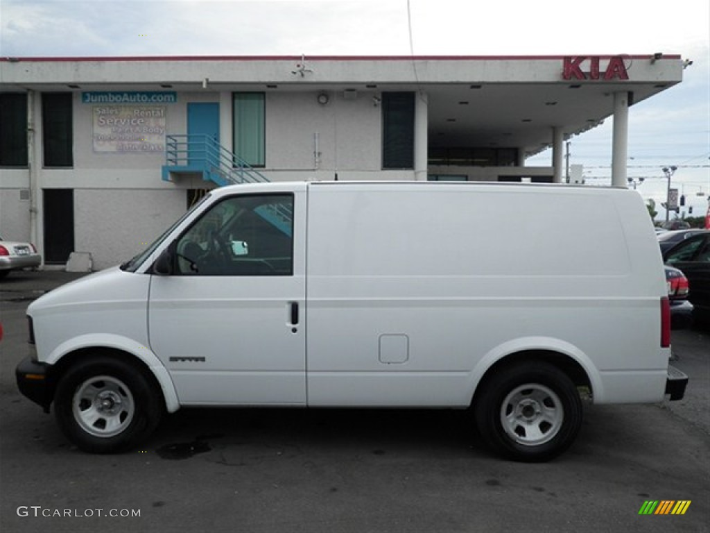 Ivory White 2001 GMC Safari Cargo Van Exterior Photo #59674477 | GTCarLot.com