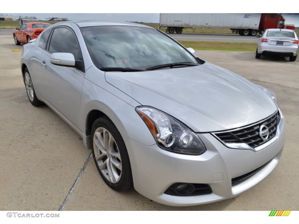brilliant silver 2011 nissan altima 3 5 sr coupe exterior. Black Bedroom Furniture Sets. Home Design Ideas