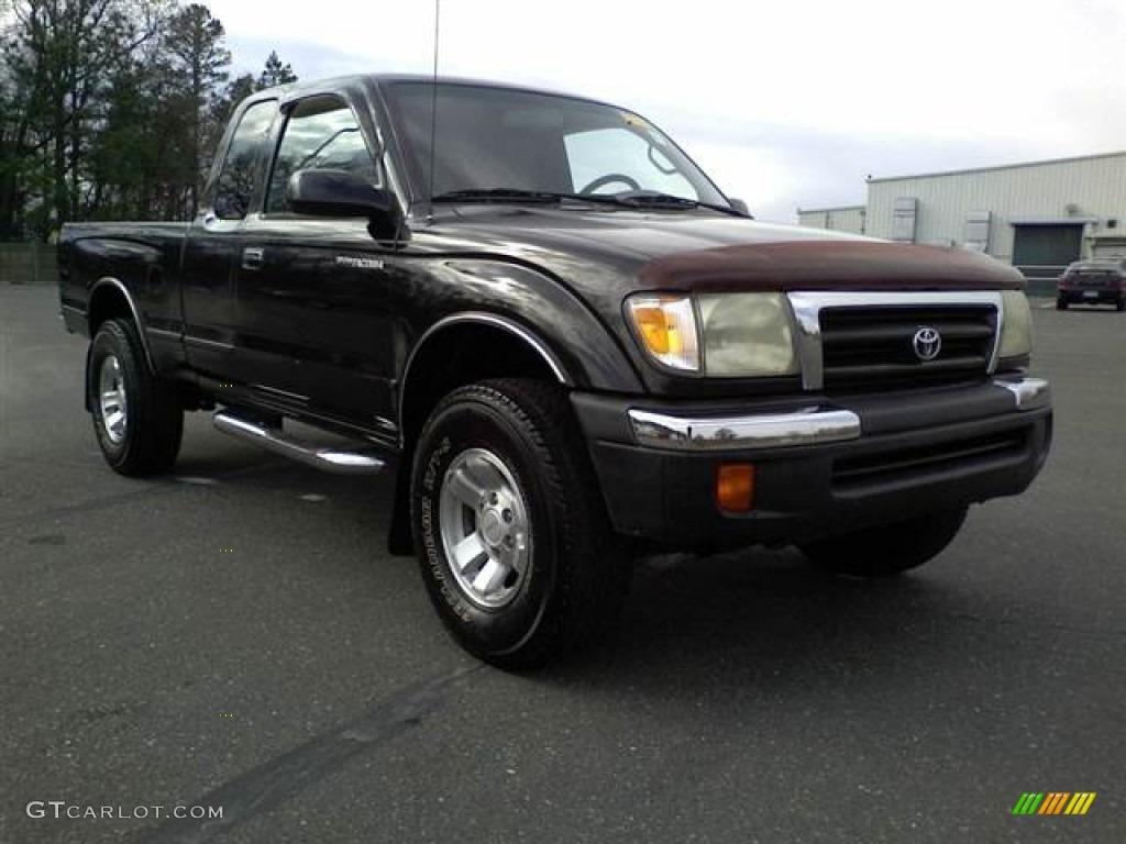 2000 Tacoma PreRunner Extended Cab   Black Sand Pearl / Oak Photo #1