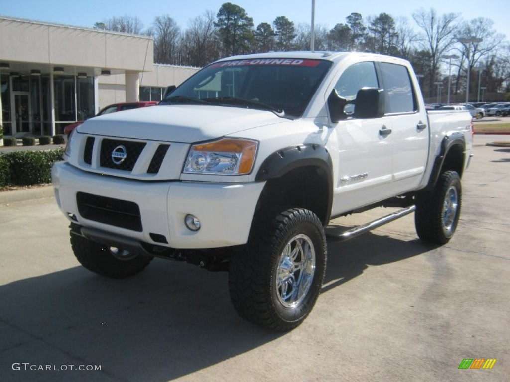 2011 blizzard white nissan titan pro 4x crew cab 4x4 59739317 photo 30 car. Black Bedroom Furniture Sets. Home Design Ideas