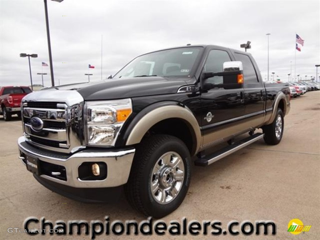 2012 F250 Super Duty Lariat Crew Cab 4x4 - Tuxedo Black Metallic / Black photo #1