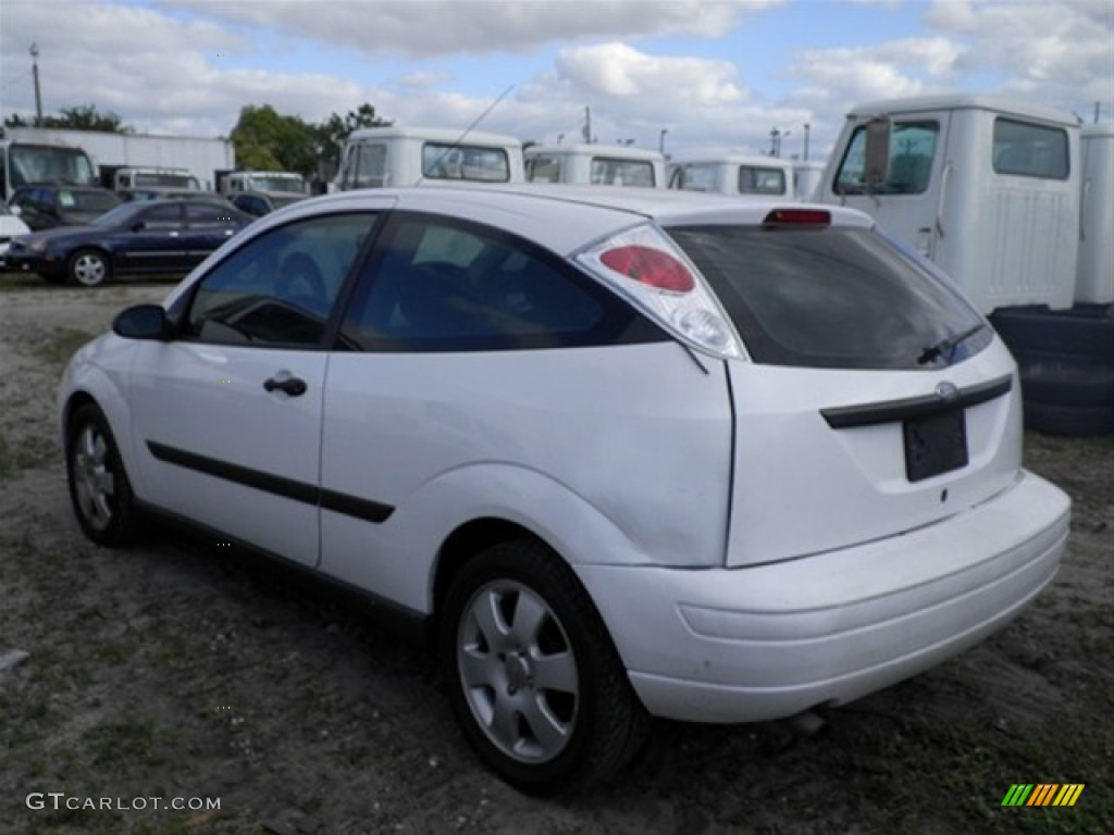 2002 cloud 9 white ford focus zx3 coupe 59797844 photo 3. Black Bedroom Furniture Sets. Home Design Ideas