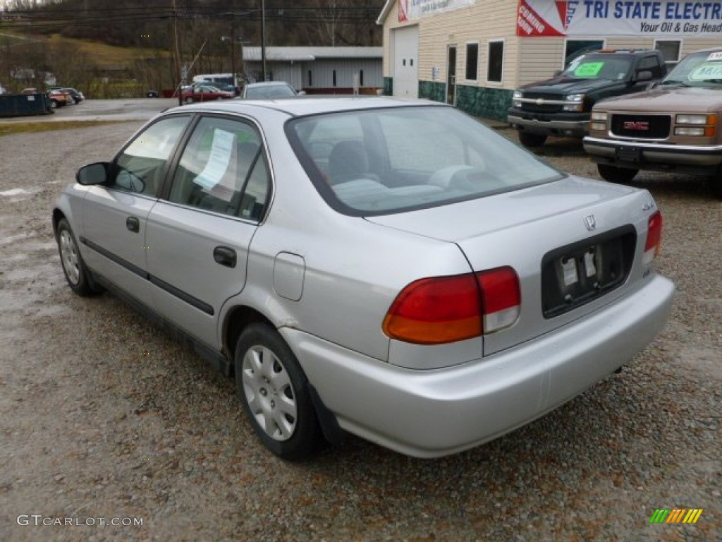 1998 Civic LX Sedan   Vogue Silver Metallic / Gray Photo #3