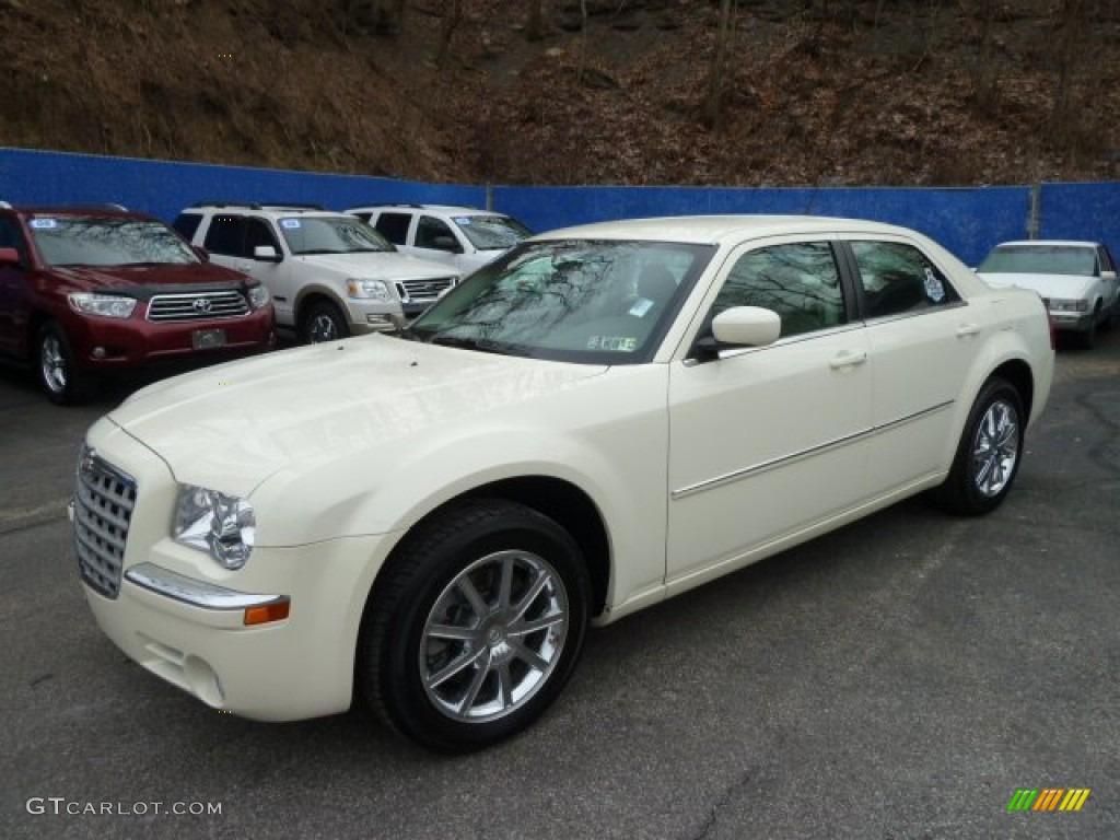 2008 300 Limited AWD - Stone White / Dark Khaki/Light Graystone photo #1