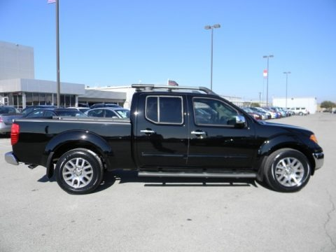 2009 nissan frontier le crew cab 4x4 data info and specs. Black Bedroom Furniture Sets. Home Design Ideas