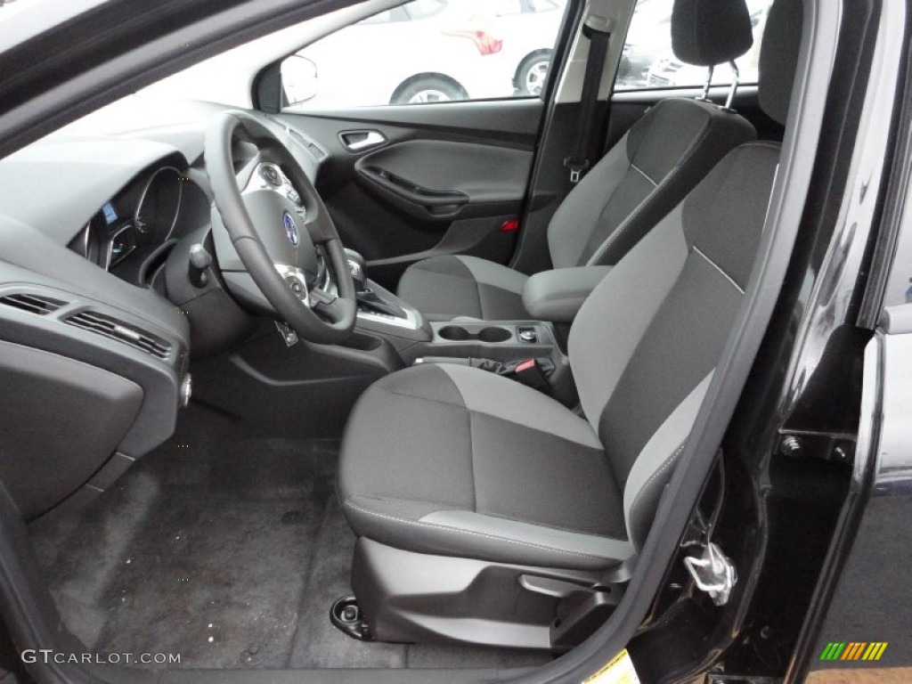 2012 Focus SE 5-Door - Tuxedo Black Metallic / Charcoal Black photo #10