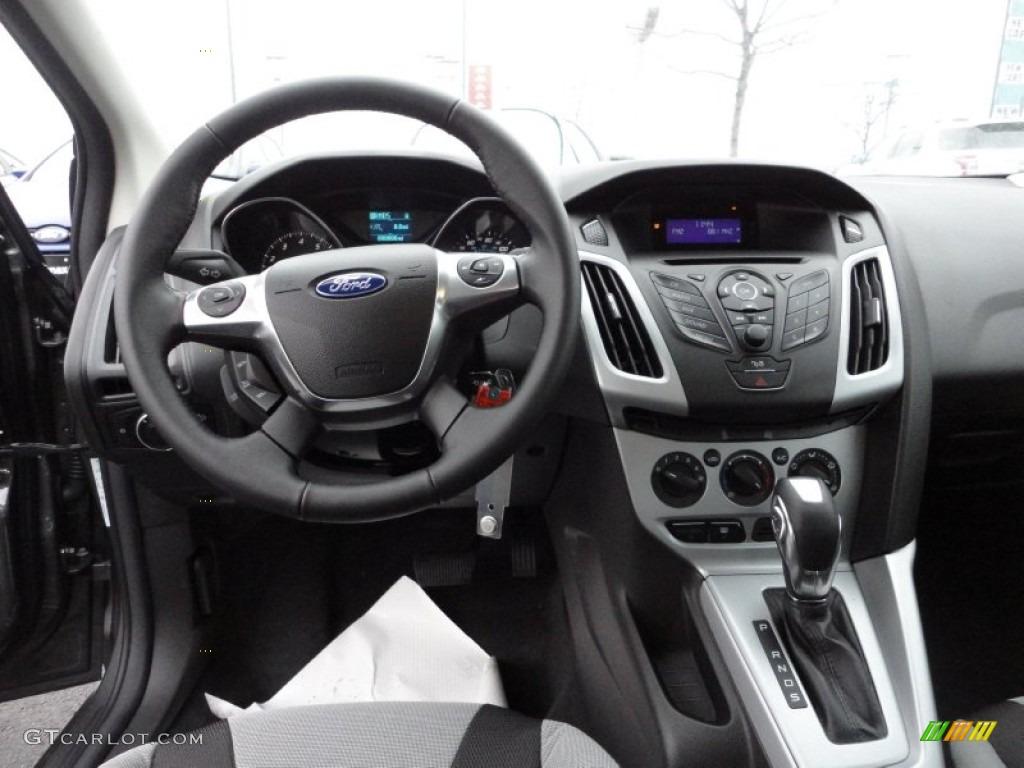 2012 Ford Focus Se Sport Sedan Two Tone Sport Dashboard