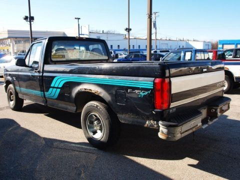 1996 Ford F150 Sport Regular Cab Data, Info and Specs
