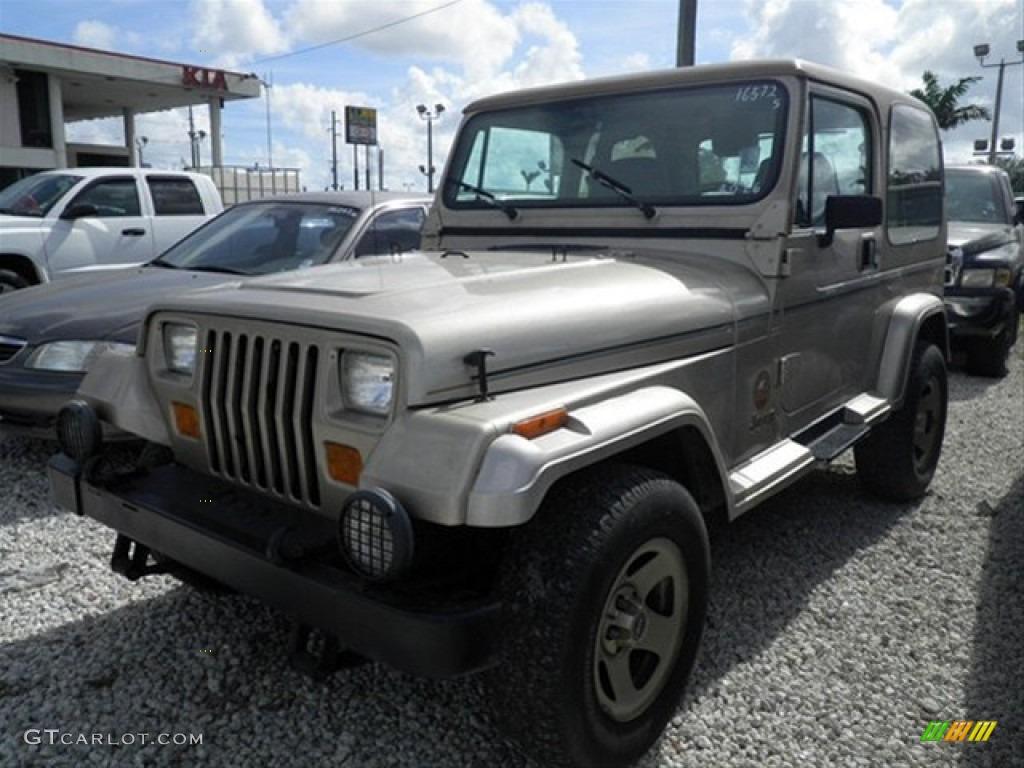 1993 light champagne metallic jeep wrangler sahara 4x4 60111968 photo 2 car. Black Bedroom Furniture Sets. Home Design Ideas