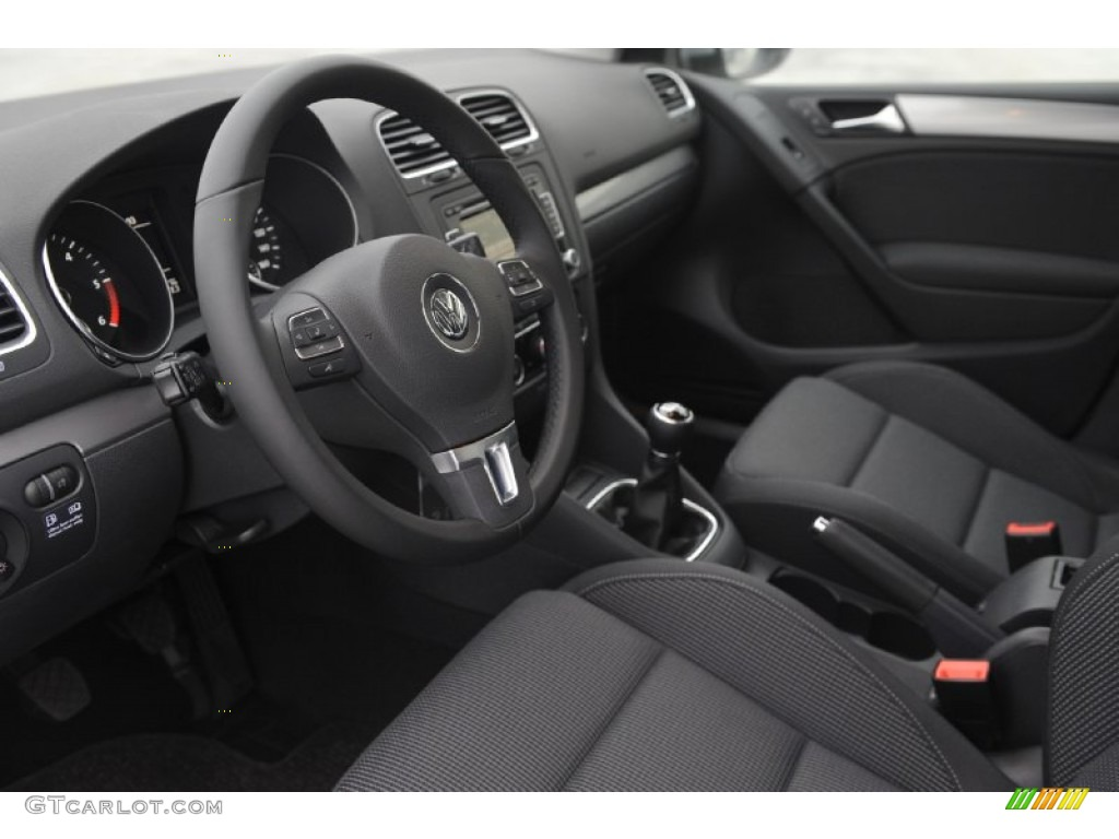 Titan black interior 2012 volkswagen golf 4 door tdi photo for Interior volkswagen golf