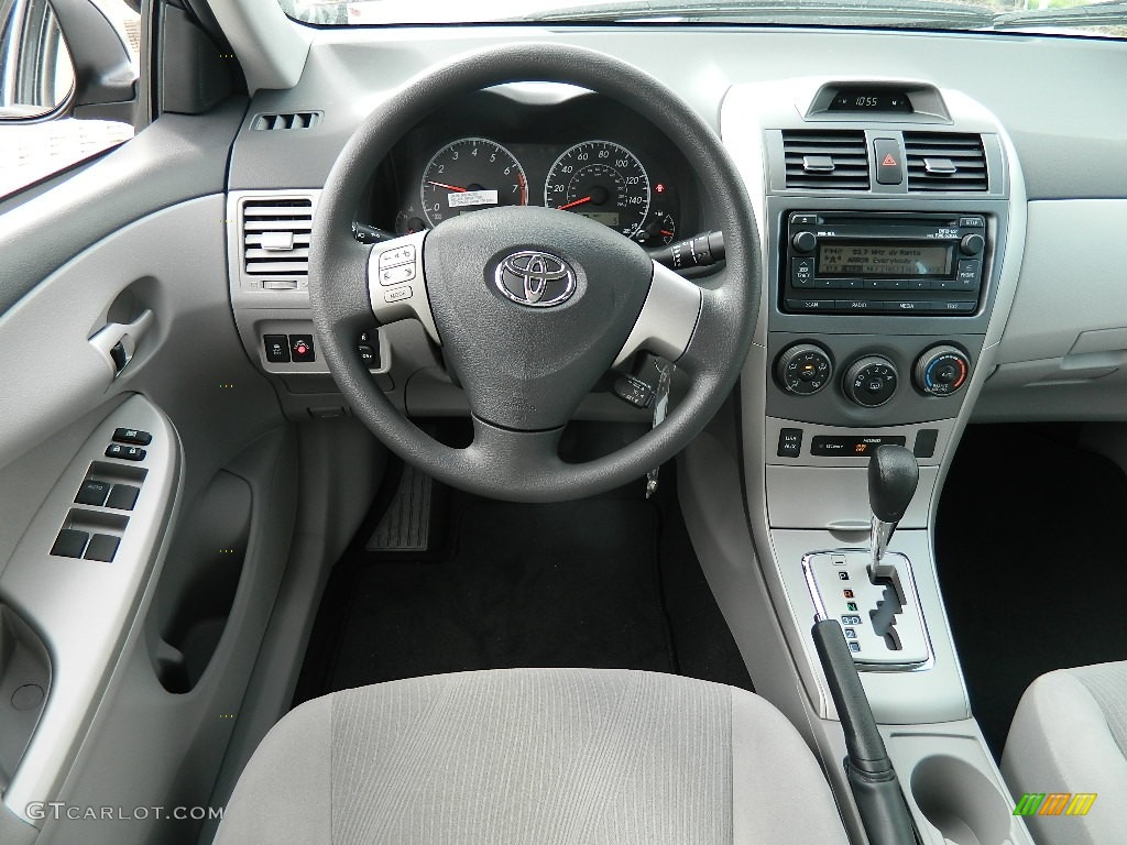 2012 Toyota Corolla Le Dashboard Photos