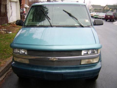 1995 Chevrolet Astro CL AWD Passenger Van Data, Info and Specs