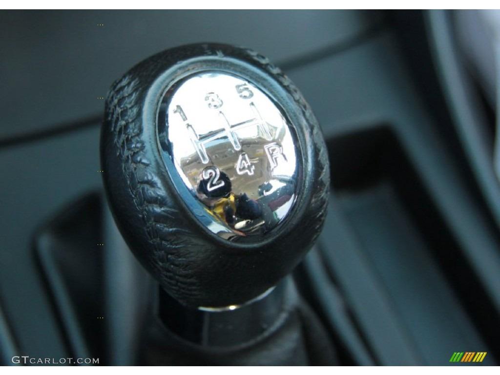 2004 mazda mazda3 s hatchback 5 speed manual transmission photo 60371513. Black Bedroom Furniture Sets. Home Design Ideas