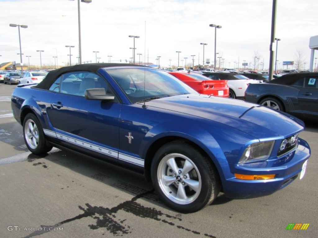 2007 Mustang V6 Premium Convertible - Vista Blue Metallic / Light Graphite photo #1