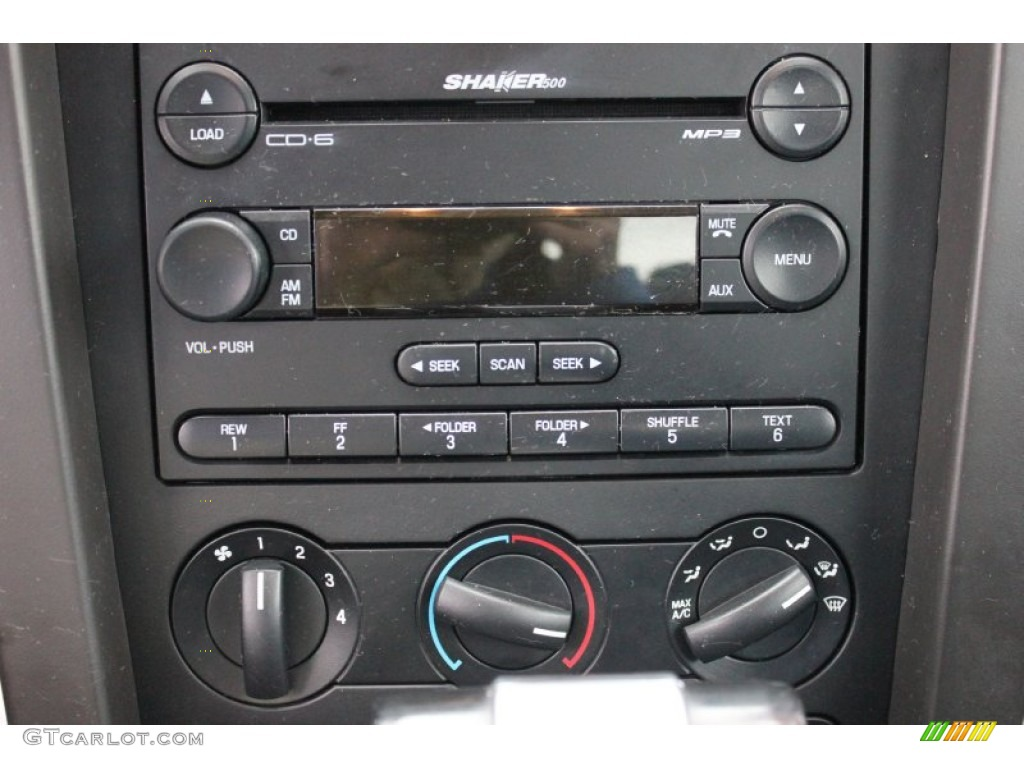 2006 Ford Mustang V6 Premium Coupe Audio System Photo #60540346