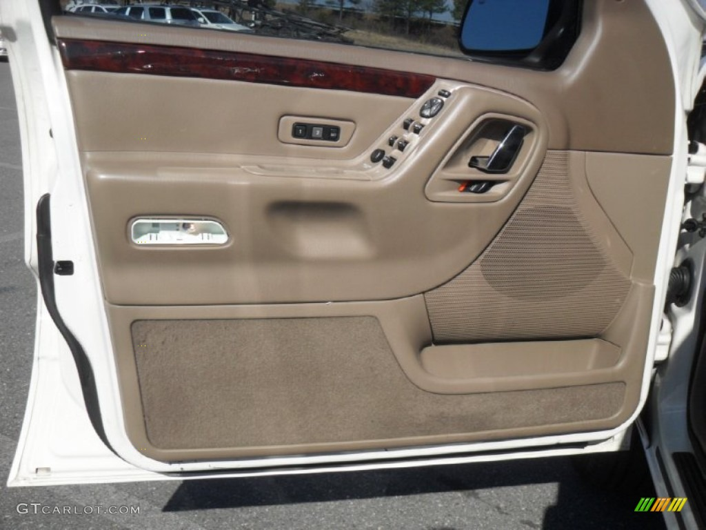 2002 Jeep Grand Cherokee Limited Taupe Door Panel Photo 60552732