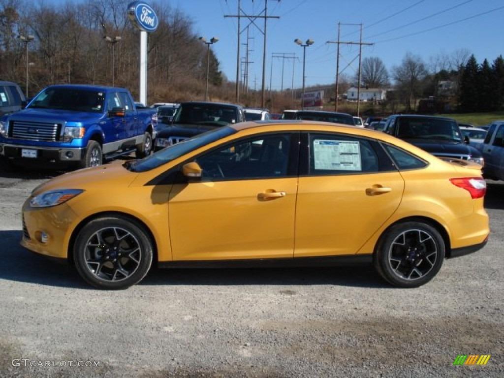 2012 Yellow Blaze Tricoat Metallic Ford Focus Se Sport Sedan