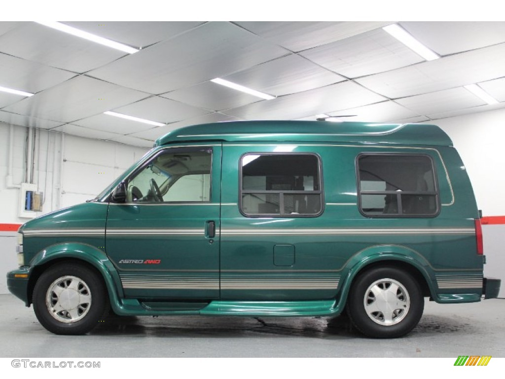 Dark Forest Green Metallic 2000 Chevrolet Astro Awd Penger Conversion Van Exterior Photo 60702219