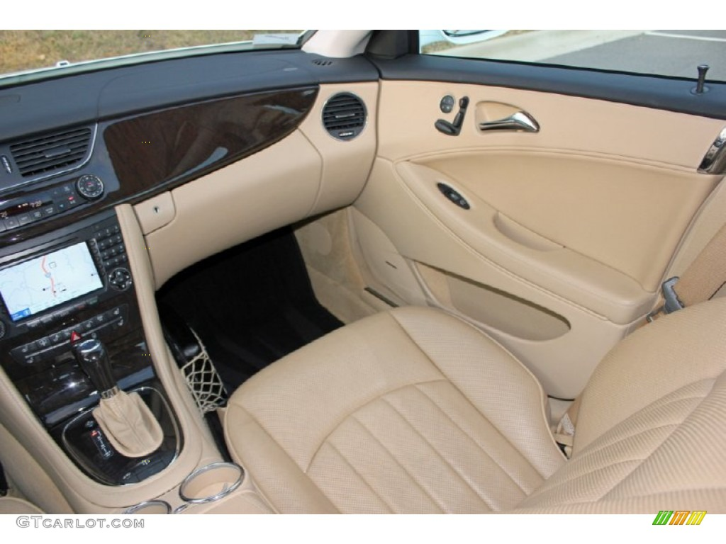 2006 mercedes benz cls 500 interior photo 60744215 for Mercedes benz interiors