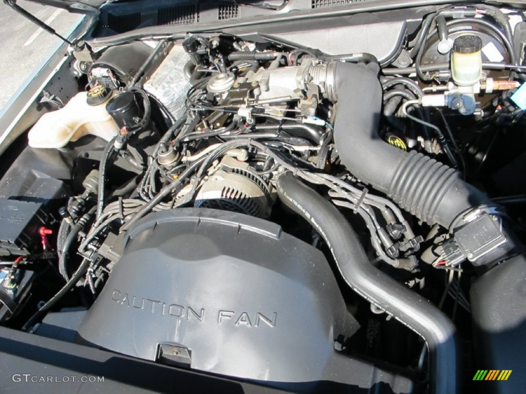 1997 Lincoln Town Car Signature 4 6 Liter Sohc 16 Valve V8 Engine Photo 60786269 Gtcarlot Com