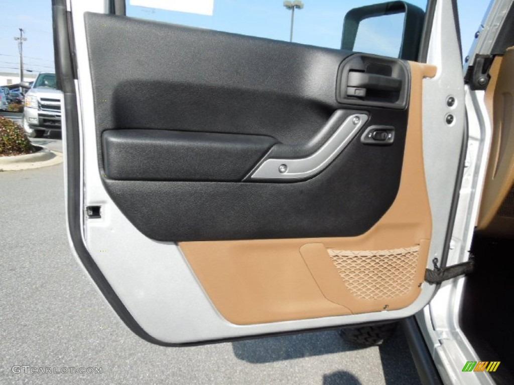 2012 Jeep Wrangler Rubicon 4x4 Door Panel Photos