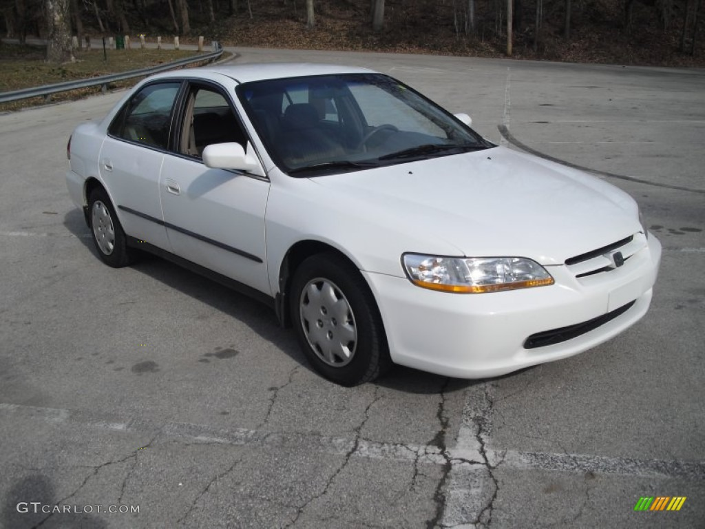 Wonderful Taffeta White 1998 Honda Accord LX Sedan Exterior Photo #60960669