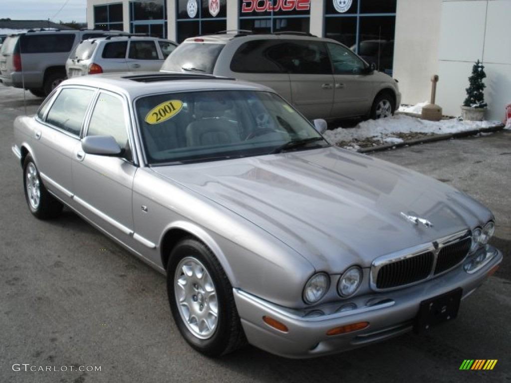 Platinum silver metallic 2001 jaguar xj xj8 l exterior for Jaguar xj exterior