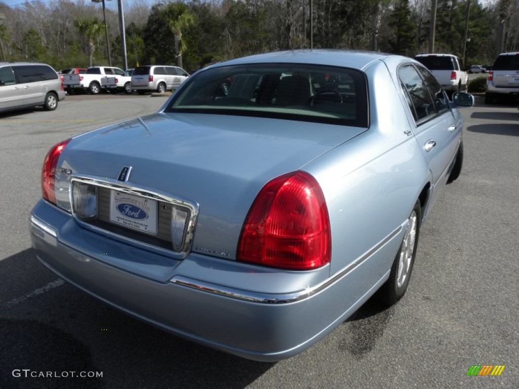 2011 Light Ice Blue Metallic Lincoln Town Car Signature Limited