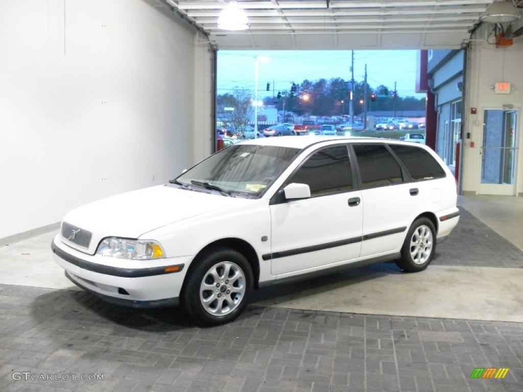 white V40 image