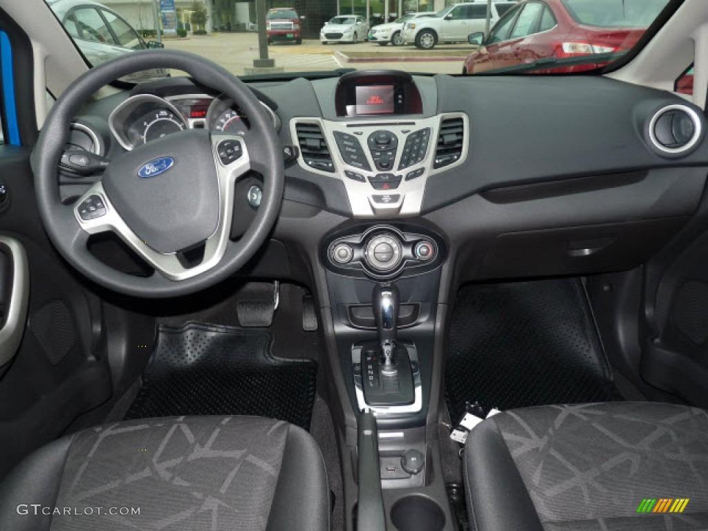 2012 Ford Fiesta Se Hatchback Charcoal Black Dashboard Photo 61143971