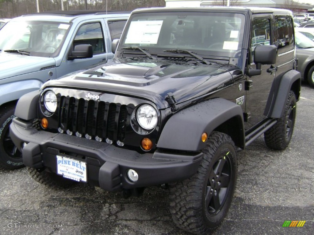 2012 Black Jeep Wrangler Call of Duty MW3 Edition 4x4 61112497