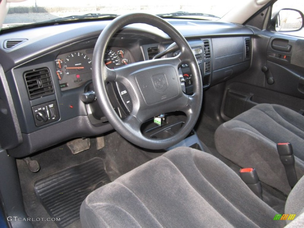 2004 dodge dakota interior