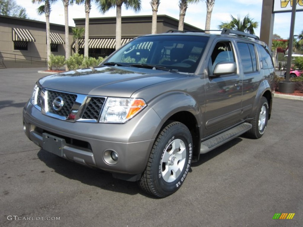 2005 granite metallic nissan pathfinder se 4x4 61242314. Black Bedroom Furniture Sets. Home Design Ideas