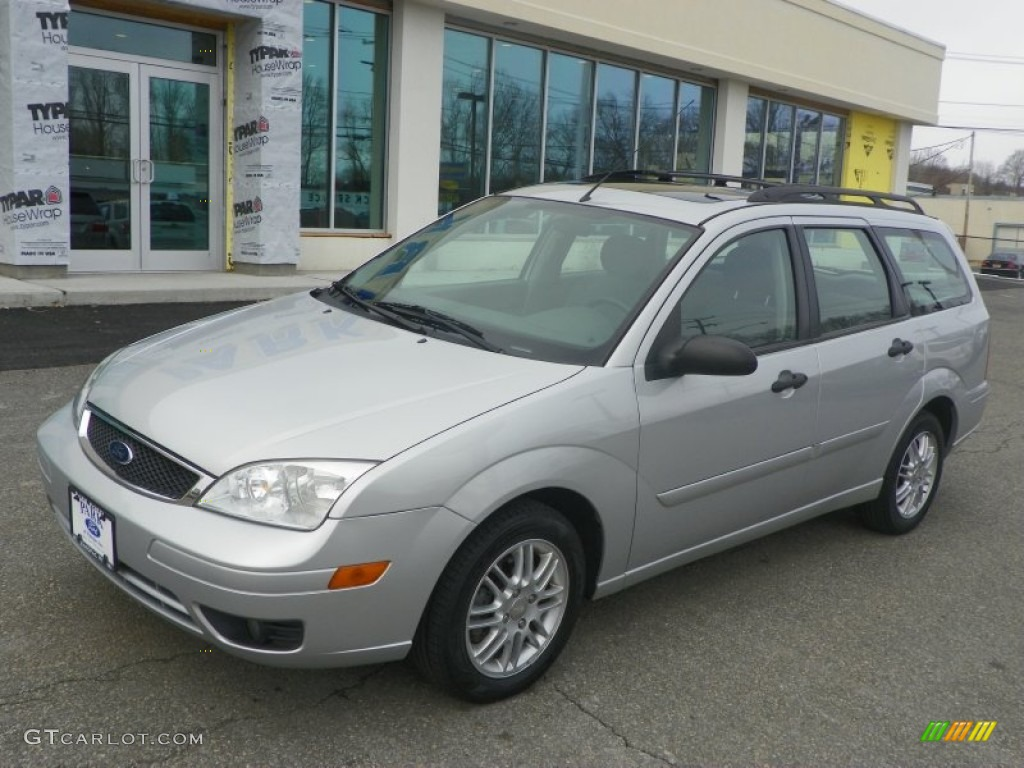 Cd Silver Metallic 2005 Ford Focus Zxw Ses Wagon Exterior