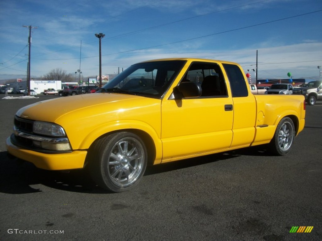 2003 Yellow Chevrolet S10 Extended Cab 61288729 Gtcarlotcom