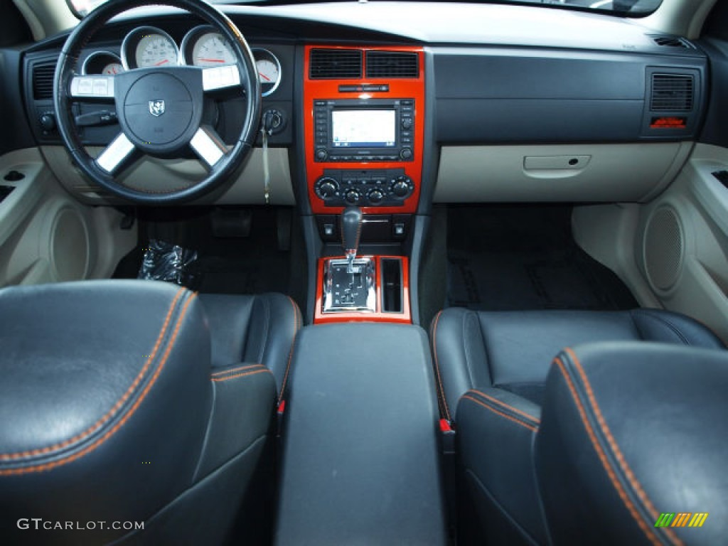 Image Gallery 2006 Charger Interior