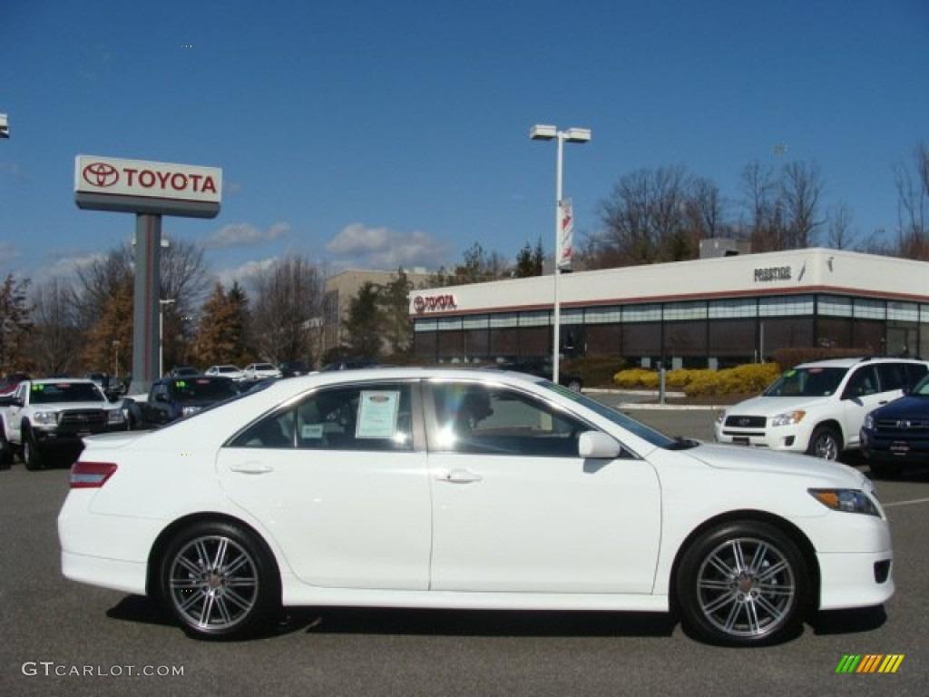 2011 super white toyota camry se v6 61344810 car color galleries. Black Bedroom Furniture Sets. Home Design Ideas