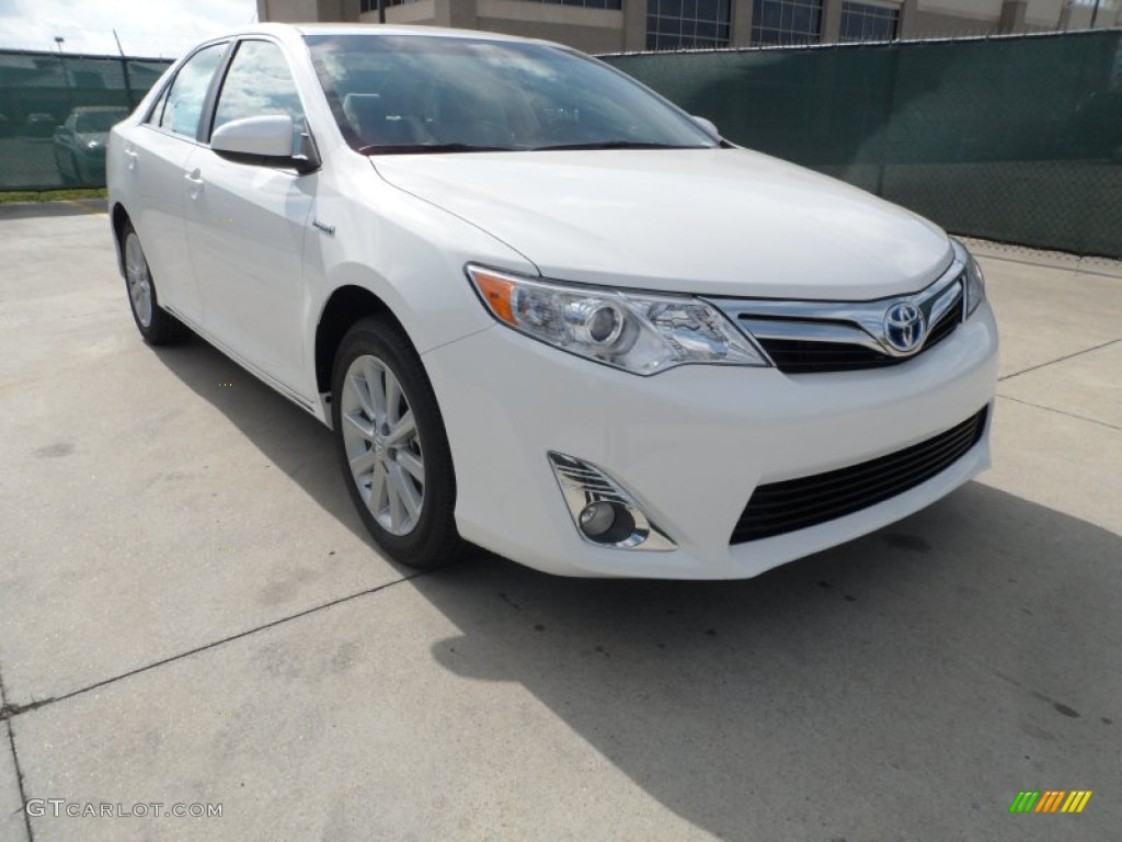 2012 super white toyota camry hybrid xle 61344790 car color galleries. Black Bedroom Furniture Sets. Home Design Ideas