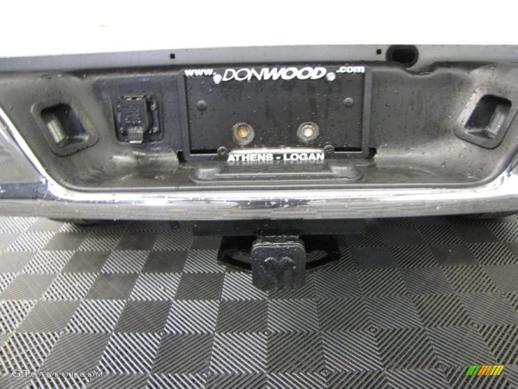2006 Ram 1500 ST Quad Cab 4x4 - Bright White / Medium Slate Gray photo #33