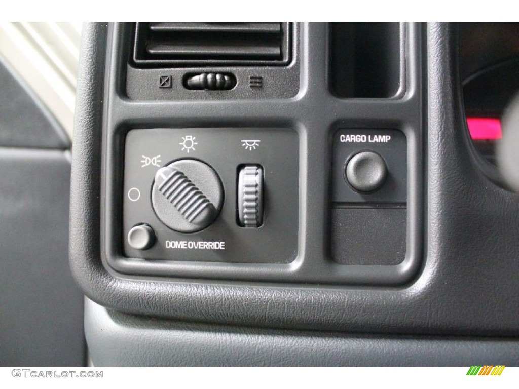 2002 Chevrolet Silverado 1500 LS Regular Cab 4x4 Controls Photos