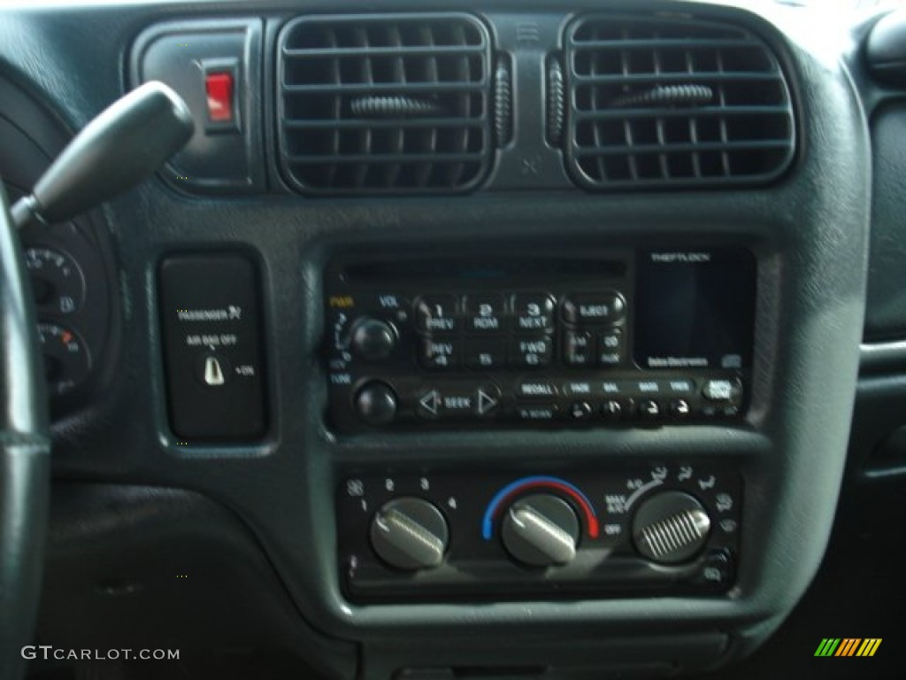 2002 Victory Red Chevrolet S10 Xtreme Extended Cab ...