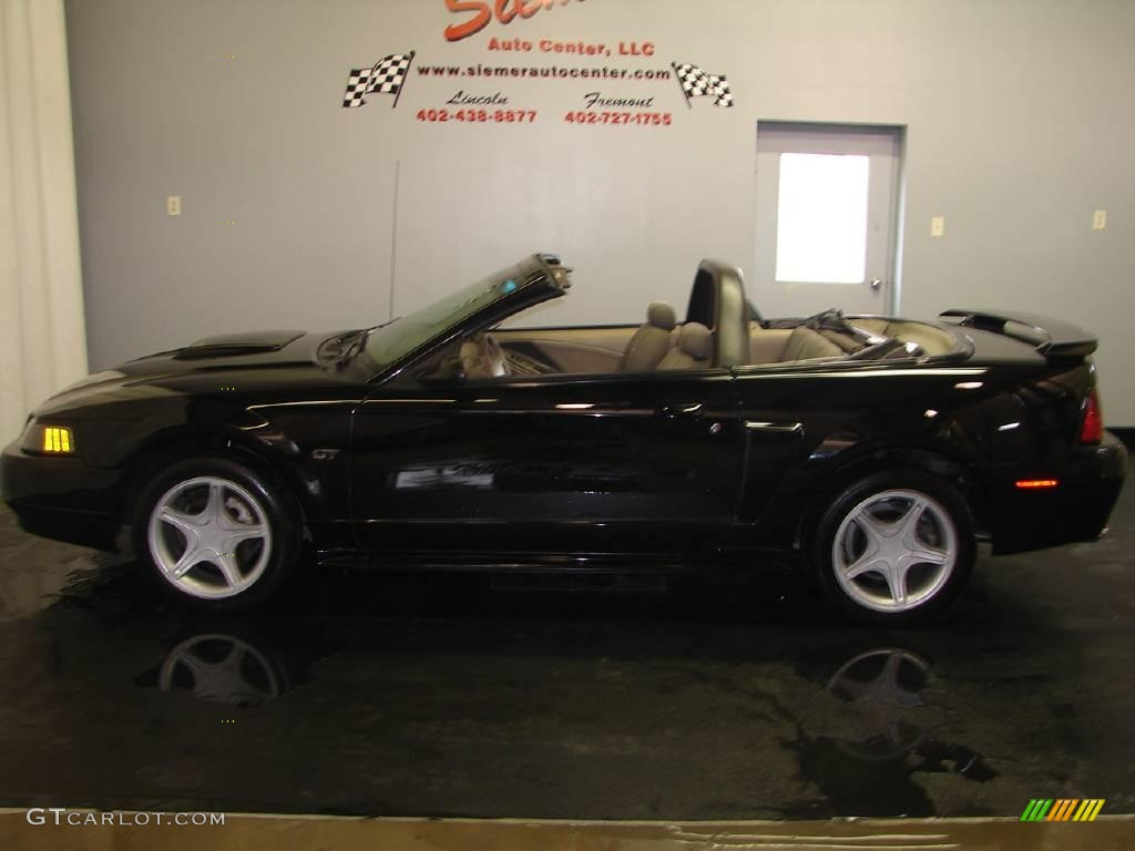 2002 Mustang GT Convertible - Black / Dark Charcoal photo #1