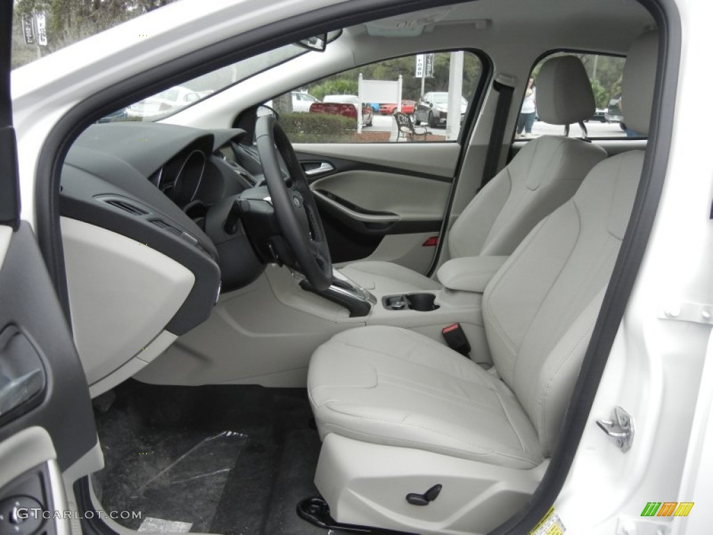 2012 Focus SEL 5-Door - White Platinum Tricoat Metallic / Stone photo #5