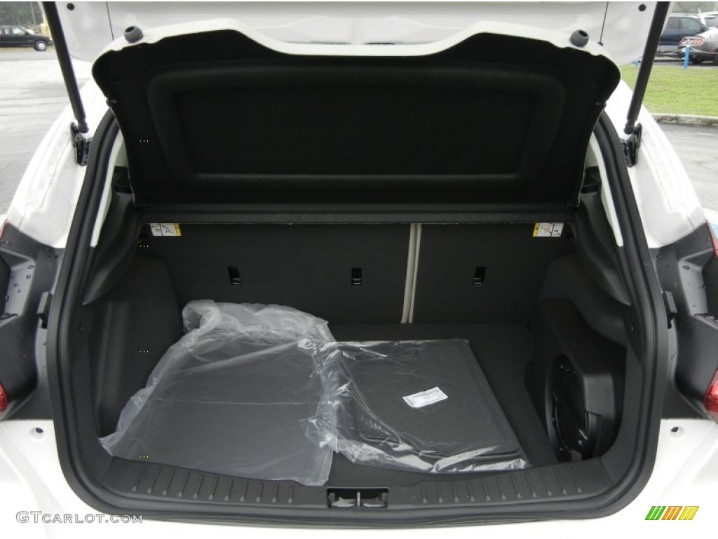 2012 Focus SEL 5-Door - White Platinum Tricoat Metallic / Stone photo #10