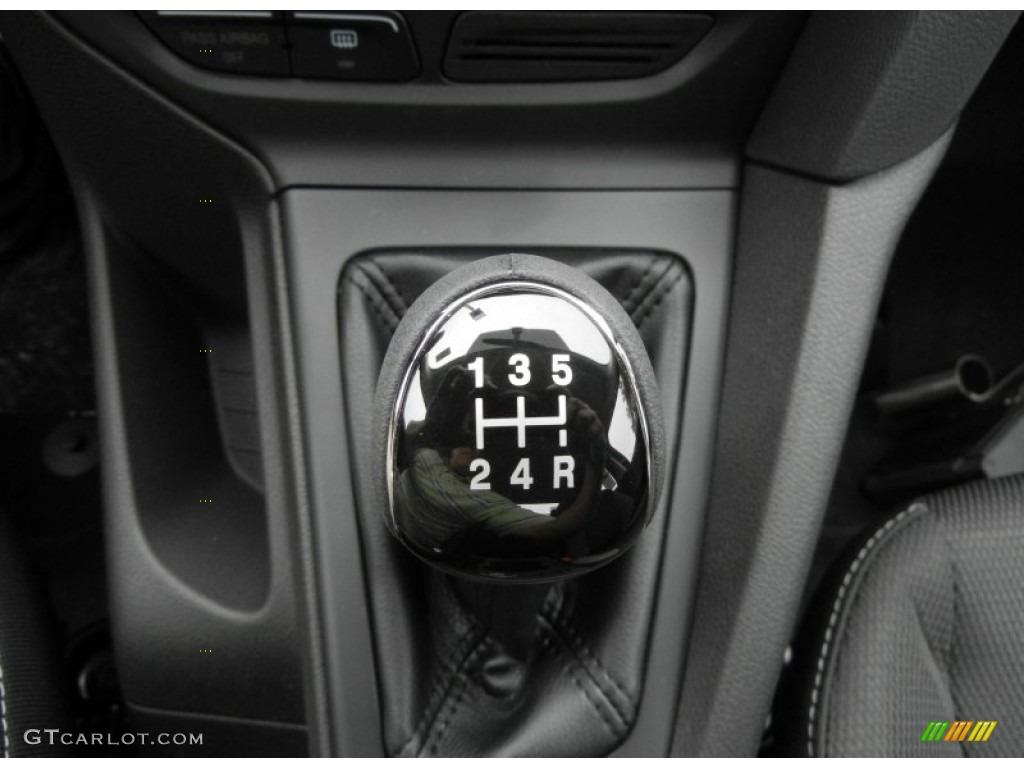 2012 Focus S Sedan - Tuxedo Black Metallic / Charcoal Black photo #10