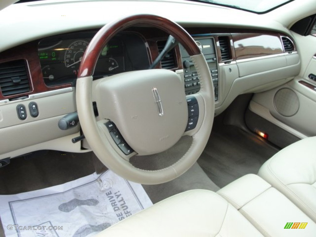 2005 lincoln town car signature limited interior photo 61696379. Black Bedroom Furniture Sets. Home Design Ideas
